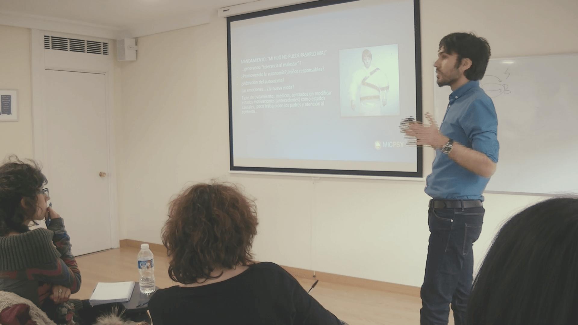 formación continua en Terapias Contextuales