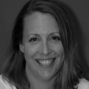 Dra. Lisa Coyne