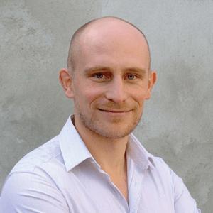 Dr. Matthieu Villatte
