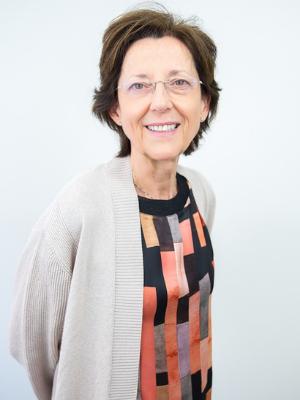 Dra. Carmen Luciano